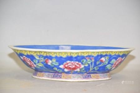 19th C. Chinese Porcelain Famille Rose Oval Bowl