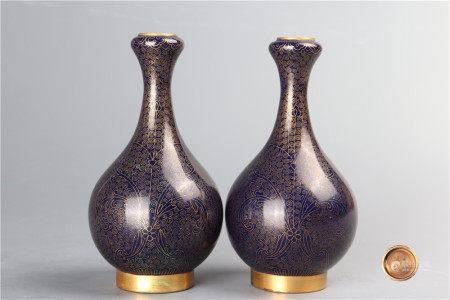 A pair of garlic head clossione vases