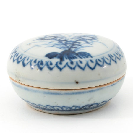 A Blue and White Round Box and Cover