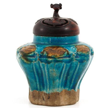 A Ming Fahua Vase