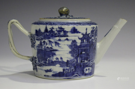 A Chinese blue and white export porcelain teapot and cover, Qianlong period, of gently fluted