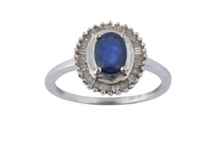A SAPPHIRE CLUSTER RING