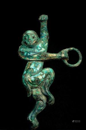 汉代错金银嵌绿松石猴形带钩 Silvering and Golden Inlaying with Tophus Belt Hook from Han