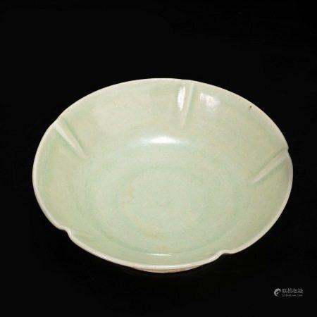 宋代青瓷小碗 Green Kiln Bowl from Song