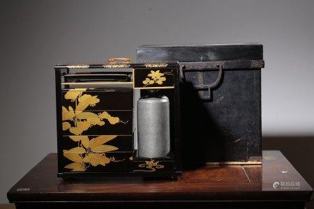 昭和時期木胎黑漆描金食盒