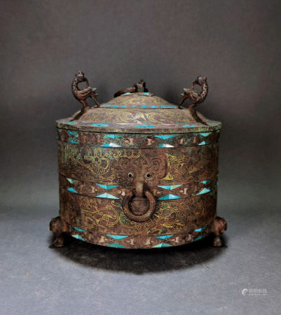 A CHINESE VINTAGE BRONZE LIDDED BOX