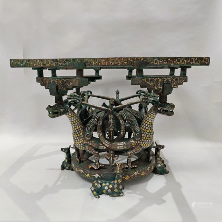 A CHINESE VINTAGE BROZNE SQUARE SHAPE TABLE