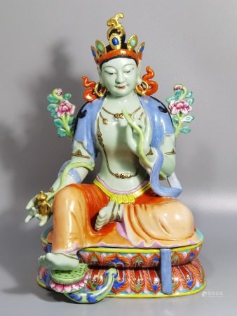 A FAMILLE ROSE GILTED PORCELAIN BUDDHA STATUE