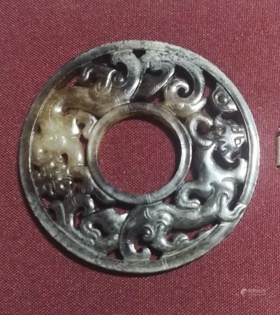 漢代 白玉帶沁龍環