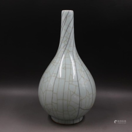 清中期 開片花瓶