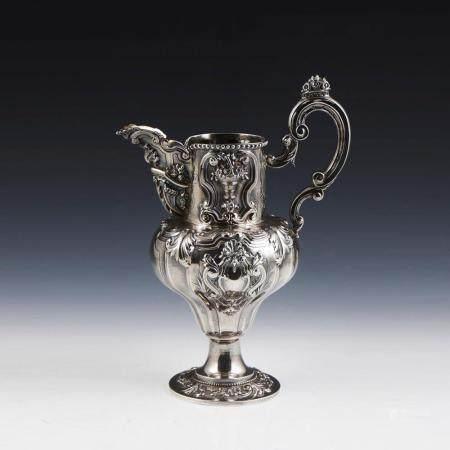 Jarro em prata 833% séc. XIX/XX, P.858 g.