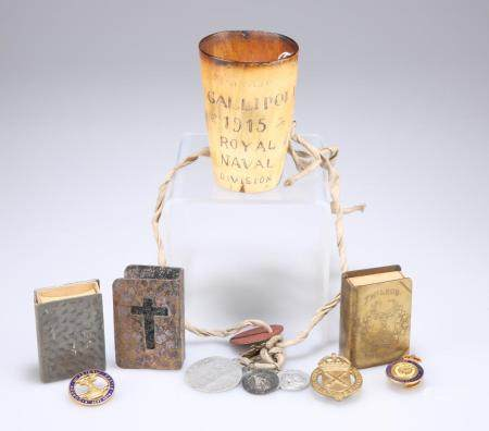 WW1 MEMENTOS A HORN BEAKER, with scratched engraving 'Gallipoli 1915 Royal