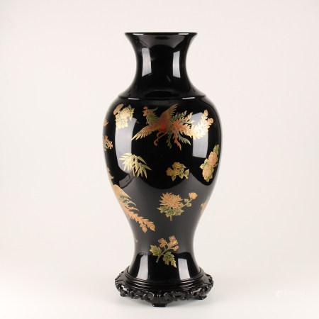 凤纹黑漆大花瓶