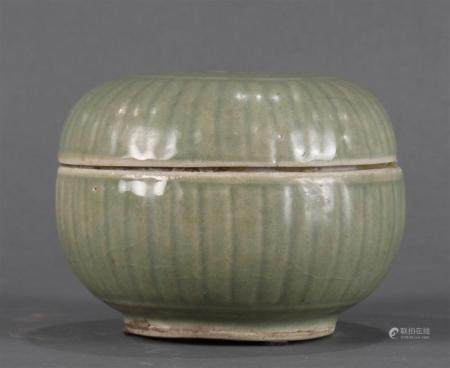 A Song style celadon lidded box