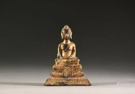 BIRMANIE - vers 1900 Bouddha en bronze doré  H. 14 cm Accidents, manques