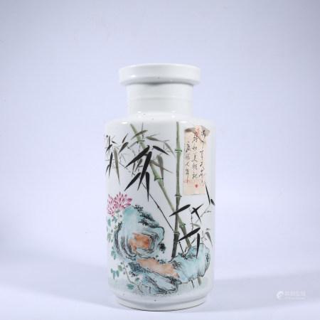 Pastel bottle in Qing Dynasty
