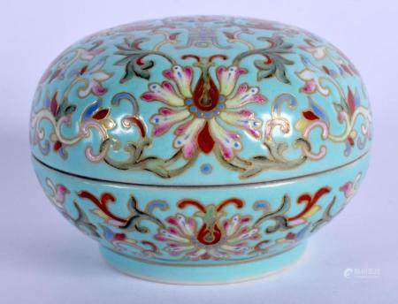 A 19TH CENTURY CHINESE PORCELAIN BOX AND COVER Qing, painted with flowers and vines. 6.75 cm diameter.