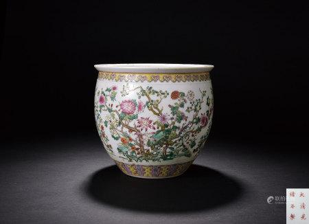 清 粉彩花卉紋小缸