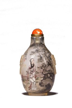 WANG XISAN: CRYSTAL INSIDE PAINTED 'LADY' SNUFF BOTTLE