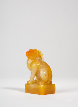 A FINE CHINESE TIANHUANG CARVED 'BIXIE' SEAL