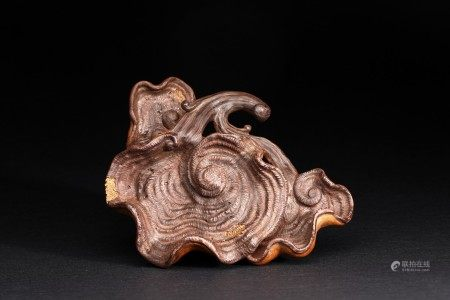 A YIXING ZISHA LINGZHI CARVING