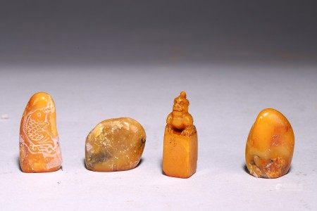 A GROUP OF FOUR SHOUSHAN STONE SEALS