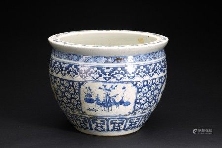A CHINESE BLUE AND WHITE 'ANTIQUES' JARDINIERE