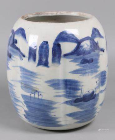 Chinese blue & white porcelain jar, possibly Ming dynasty