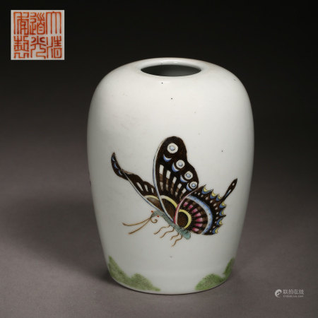 A SMALL JAR WITH BUTTERFLY PATTERN, QING DYNASTY, CHINA