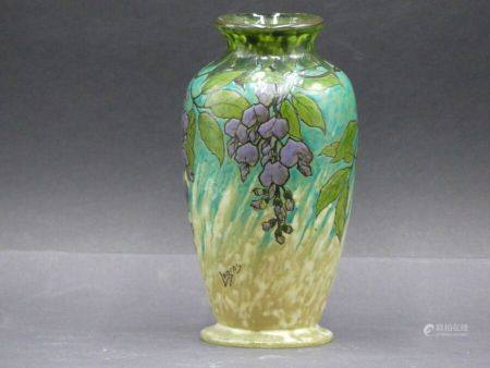 LEGRAS. Vase en verre vert
