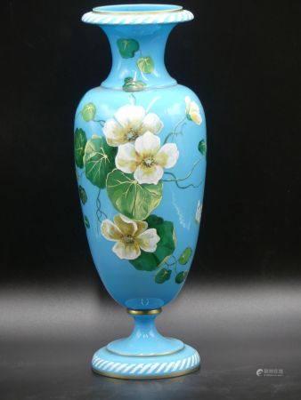 Vase en verre opalin.