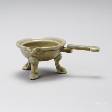 隋代 青瓷三足器