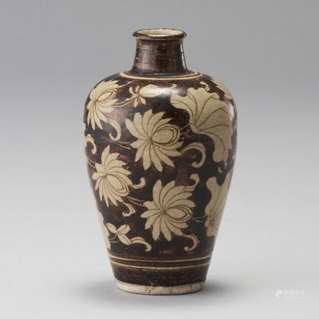 吉州窯 南宋 黑釉白花蓮花紋瓶