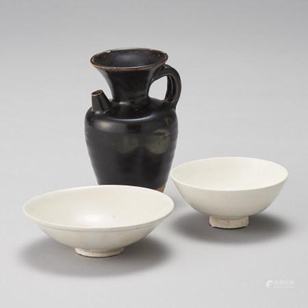 唐~宋 黒釉執壺及白瓷碗兩件