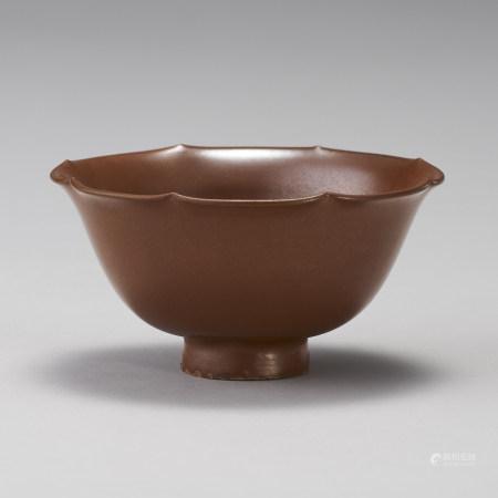 金代 柿釉葵口碗