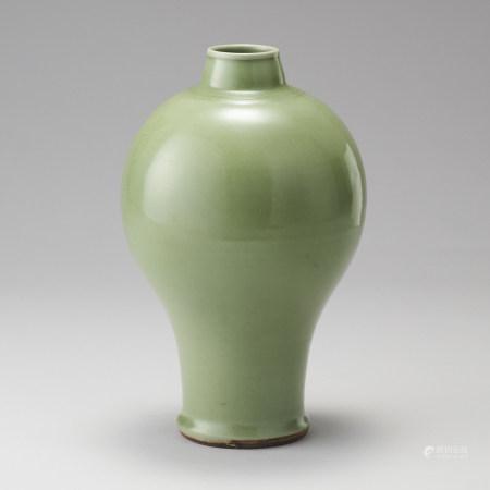 龍泉窯 明代 青瓷梅瓶