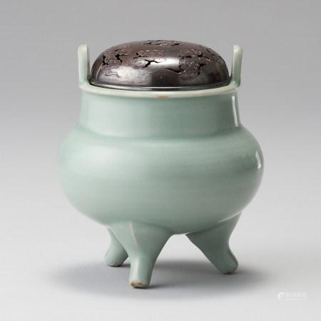 龍泉窯 宋代 配銀制蓋 青瓷雙耳香爐