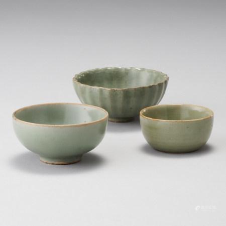 龍泉窯 元~明代 一組3件 青瓷茶杯一組