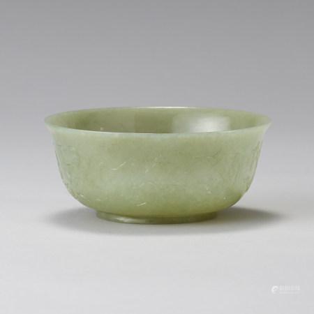 青玉浮雕八寶紋碗
