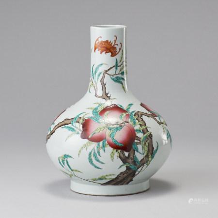 「大清光緒年製」款 粉彩壽桃天球瓶