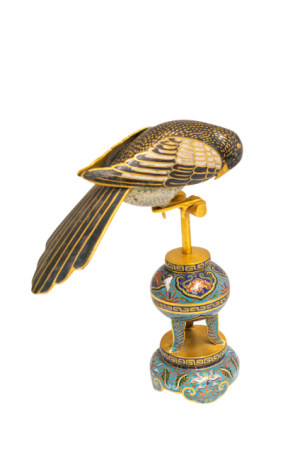 CLOISONNE MODEL OF A MAGPIE,