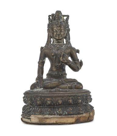 A NEPALESE BRONZE SCULPTURE OF AMITABHA. 20TH CENTURY.