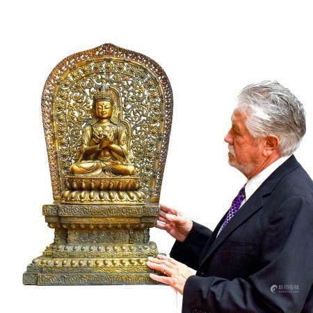 MING GILT BRONZE BUDDHA FIGURE OF VAJRADHARA & AUREOLA