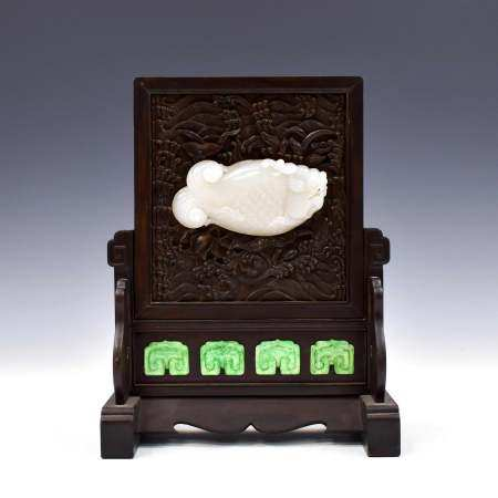 CHINESE JADE CARVED CARP TABLE SCREEN