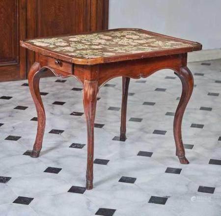 TABLE CABARET