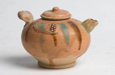 A RARE CHINESE SANCAI-GLAZED CHANGSHA EWER TANG DYNASTY (618-907)