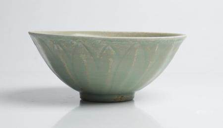 A CHINESE CELADON LOTUS BOWL SONG DYNASTY (960-1279)