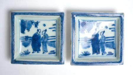 A PAIR OF CHINESE HEIRLOOM 'KOSOMETSUKE' SQUARE DISHES MING DYNASTY (1368-1644), TIANQI PERIOD (1620-1627)