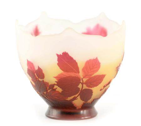 EMILE GALLE. A THREE COLOUR CAMEO GLASS VASE CIRCA 1900 with original Galle label to the
