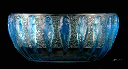 R. LALIQUE, FRANCE A 20TH CENTURY OPALESCENT PERRUCHE BOWL HIGHLIGHTED WITH BLUE STAINING